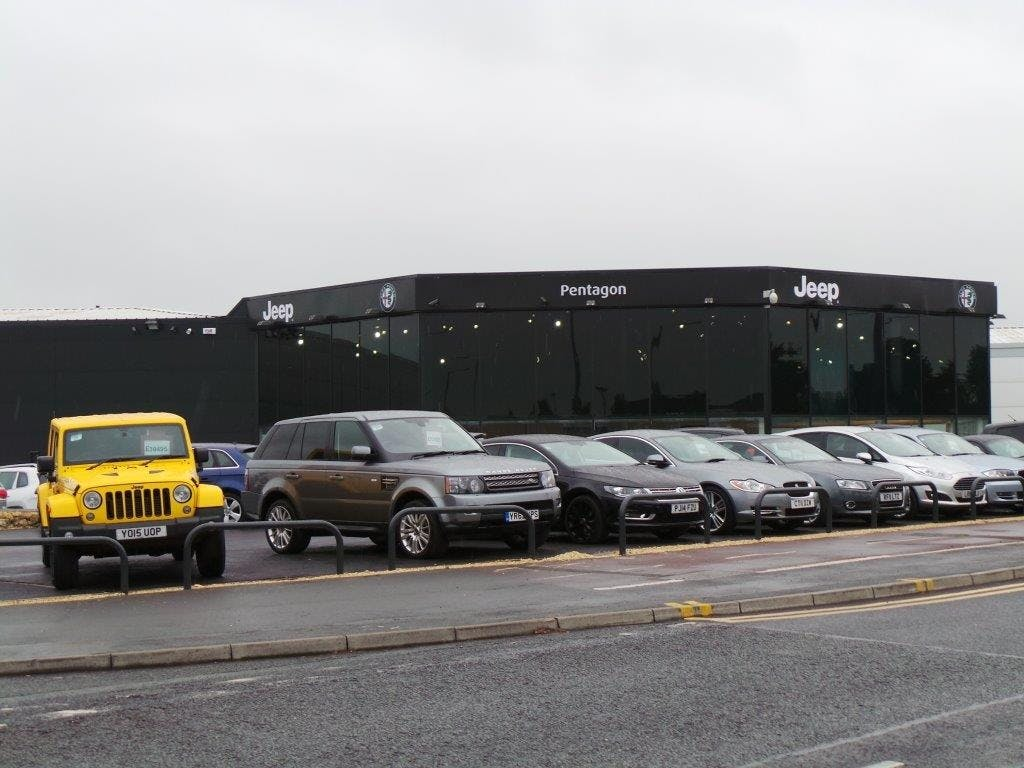 Pentagon Open New Alfa Romeo And Jeep Dealership In Doncaster