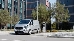 Ford Seal Green Manufacturer of the Year at What Van? Awards